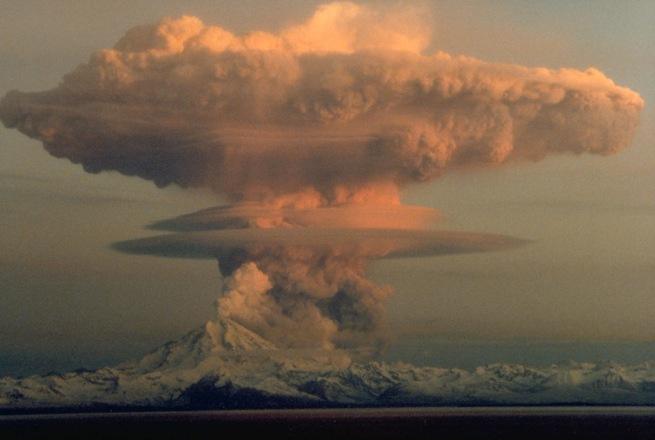 Mt. Redoubt Eruption, April 1990