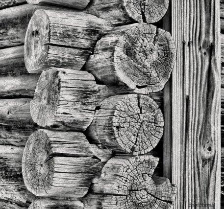 log cabin corner S B