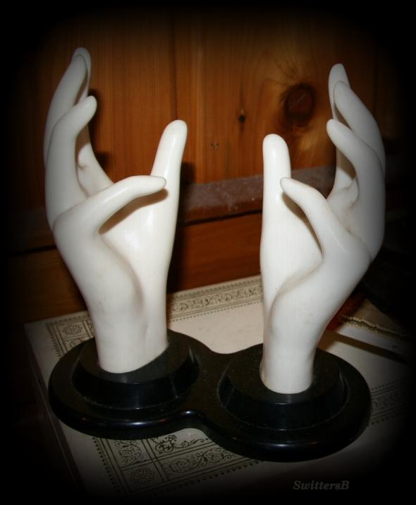 Hands SB