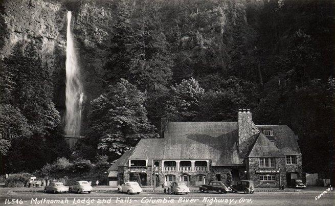 Multnomah_Falls_Lodge_1_800H