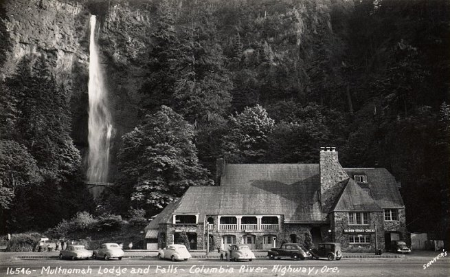 Multnomah_Falls_Lodge_1_800H