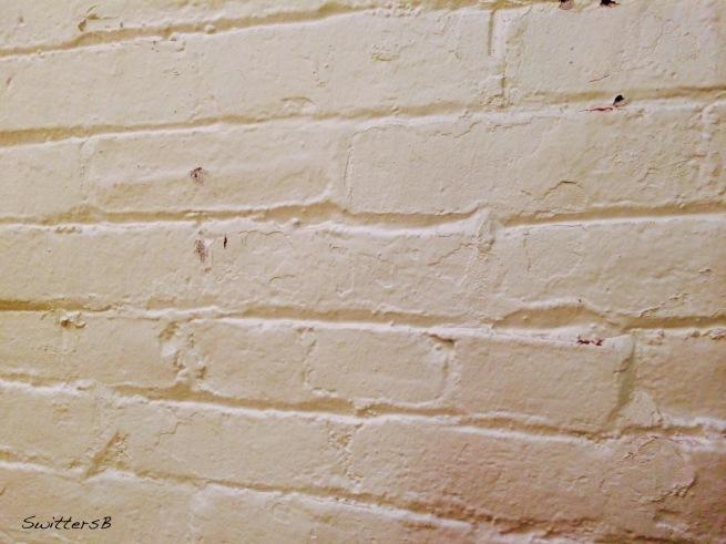-White Brick Wall SB-