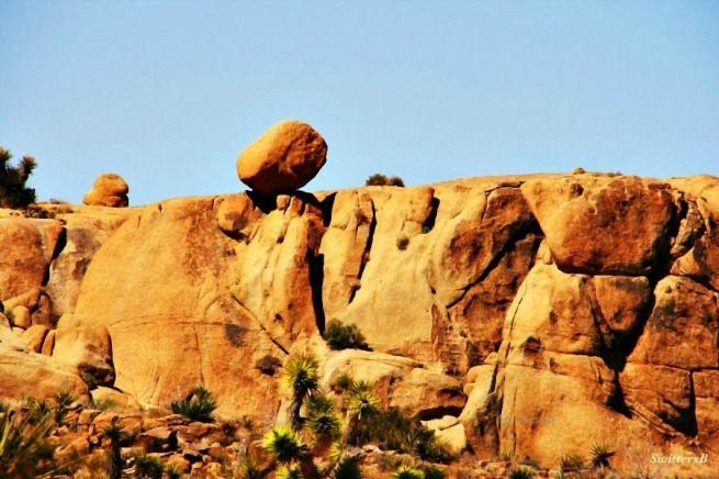 photography-Joshua Tree-balanced rock-geology-nature-SwittersB
