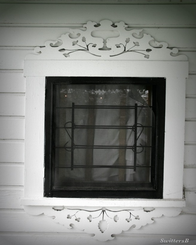 Photography-Window Frame-Old House-SwittersB