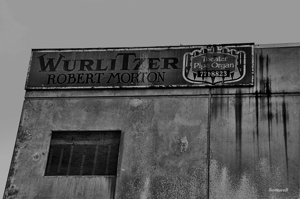 photography-pipe organ-wurlitzer-black and white-old sign