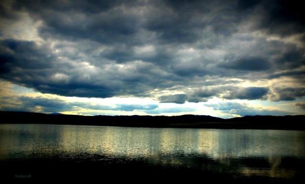 clouds--dark sky-lake-photography SwittersB