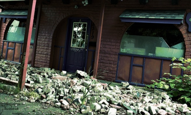 photography-closed for demolition-debris-SwittersB