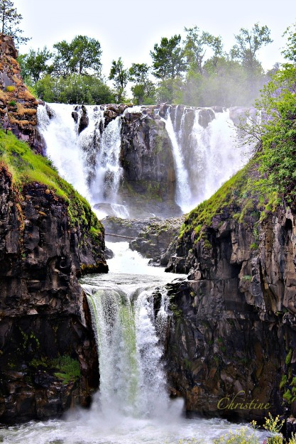 waterfall-outdoors-photography-Christine Kelly-SwittersB