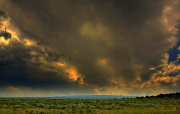 Brooding-Dark Clouds-Oregon-Nature-Photography-SwittersB