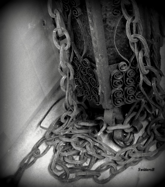 Chains-Freedom-SwittersB-Photography