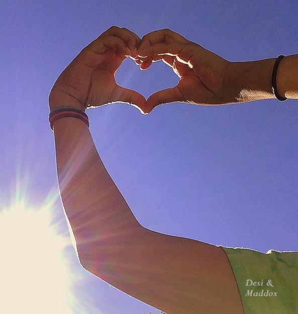 Desi-Maddox-heart-love-photography-kids-fun