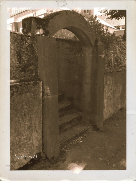 Old archway-steps-black and white-SwittersB-photography