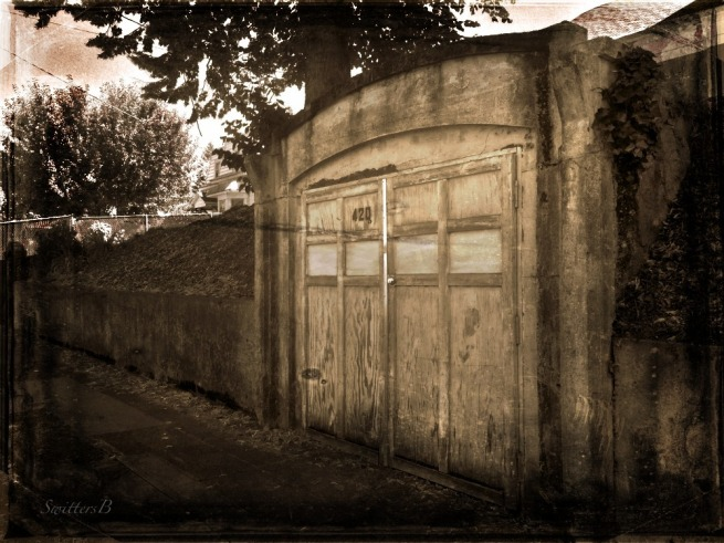 old garage-vintage-image-photography-SwittersB