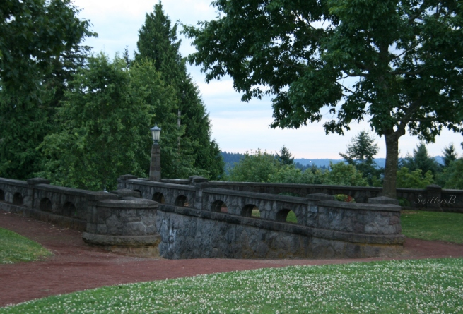 Clover-Stone Wall-Rocky Butte-Park-Photography-SwittersB