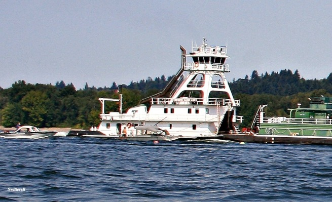 Columbia River-Oregon-Boating Safety-Photography-SwittersB