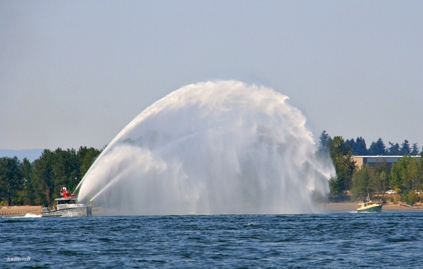 fire boat-spray-drill-Columbia River-photography-SwittersB