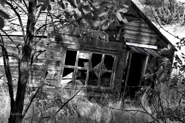 old house-Tygh Valley-Oregon-photography-SwittersB