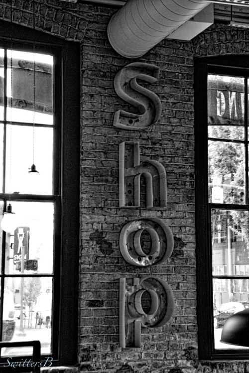 shop-sign-photography-vintage-SwittersB