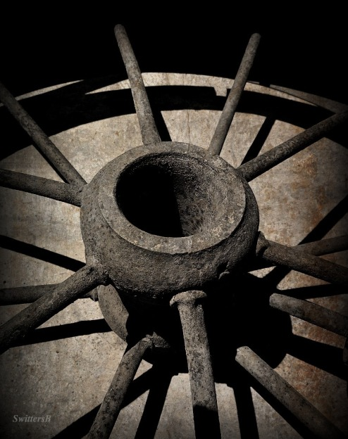 hub-old iron wheel-spokes-shadows-photography-SwittersB