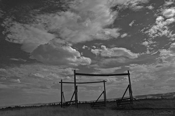 the gate- a big sky-clouds-nature-Oregon-SwittersB-photography.jpg-5454