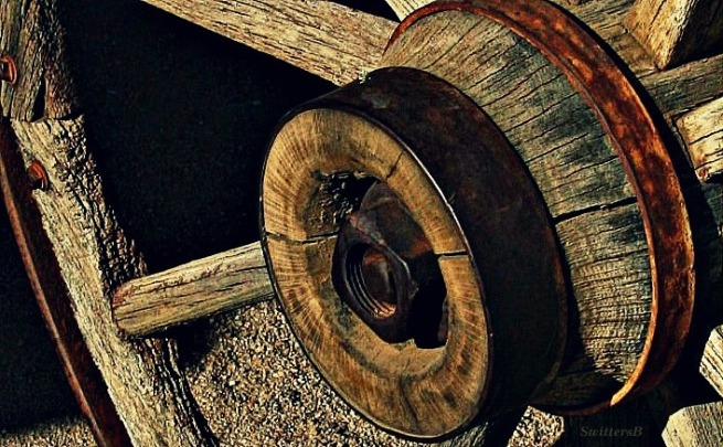 hub-wagon wheel-pioneer-photography-SwittersB