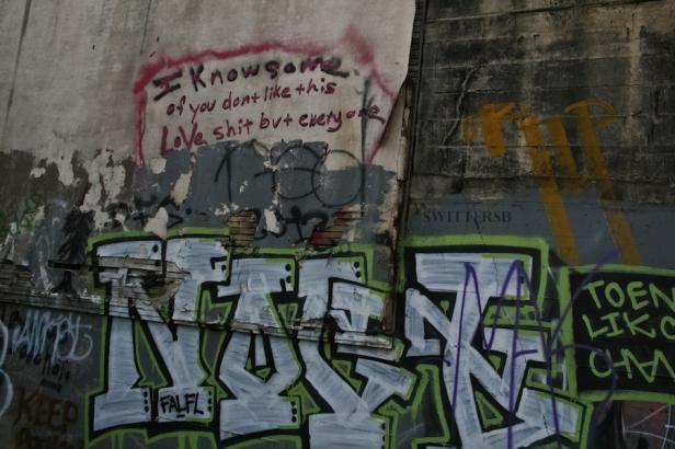 love shit-SwittersB-Portland-graffiti-tagging-art