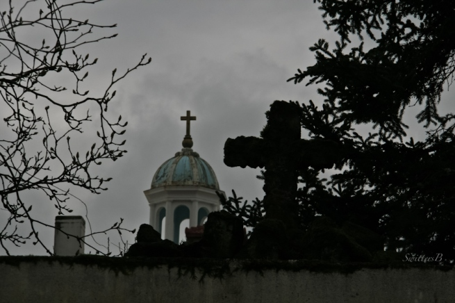 crosses-bell tower-church-Portland-St. Andrews-SwittersB