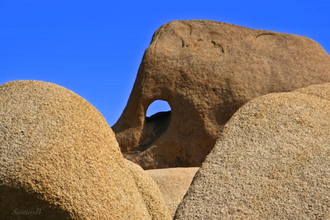 hole in rock-Joshua Tree NP-rock formation-desert-SwittersB