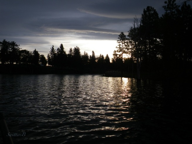 last light-dusk-lake-dark clouds-sunset-SwittersB-Oregon