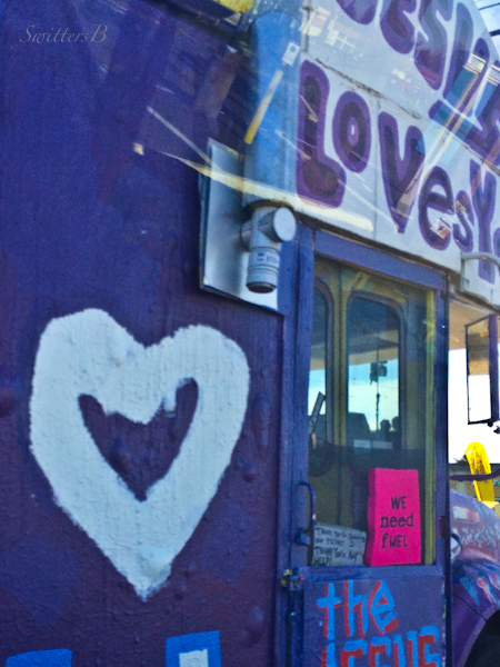 Love-Jesus-bus-heart-Portland-SwittersB