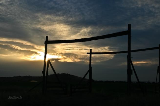 sunrise-SwittersB-morning-gates-Central Oregon-Gary Muncy