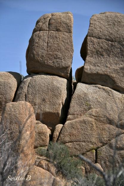 divided-rocks-landscape-desert-Mojave-SwittersB
