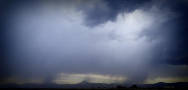 low storm clouds-Oregon-desert-photo-SwittertsB