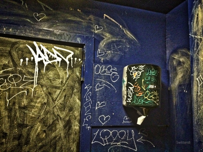 wash hands-bathroom-Portland-graffiti-dive-SwittersB