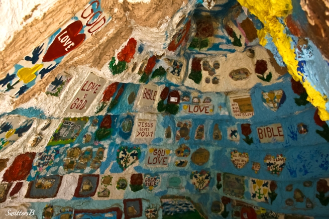 salvation mountain-room-SwittersB