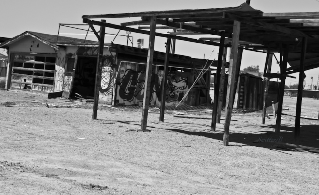 service station-Bombay Beach-abandoned-SwittersB