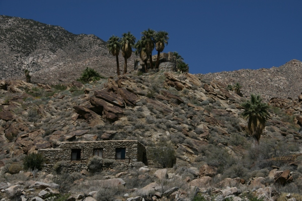 stone building-desert-Andreas Canyon-SwittersB