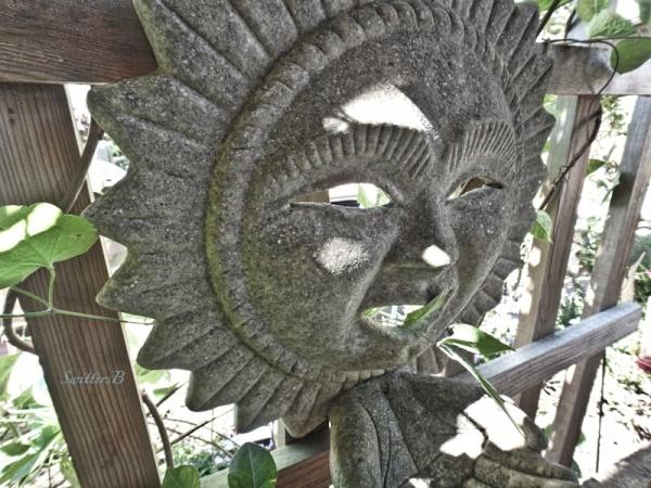 yard art, stone smile, backyard, SwittersB