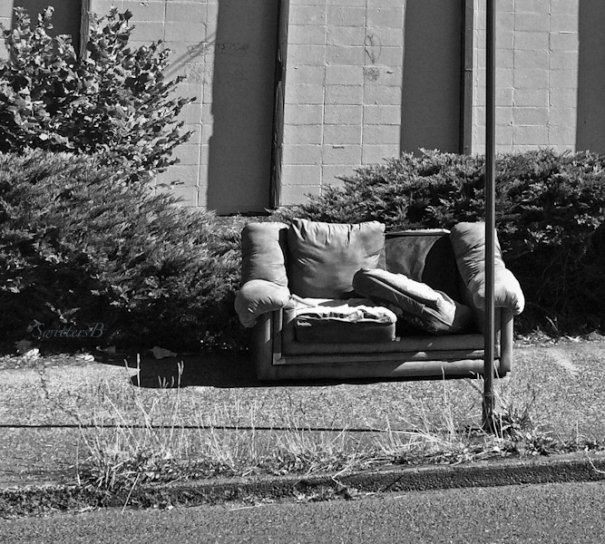 bus stop-SE Portland-old couch-SwittersB