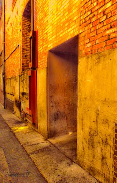 doorway-alley-Seattle-SwittersB