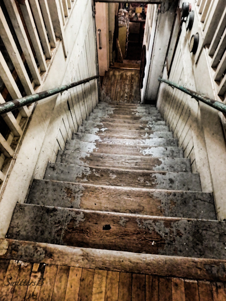 Stairway-Hippo Hardware-Portland-SwittersB
