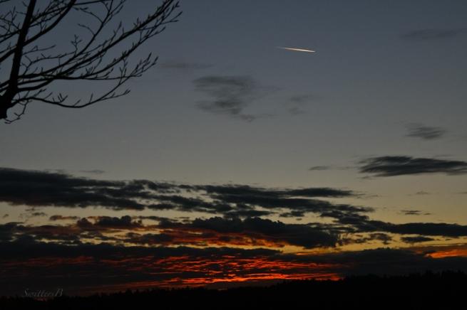 sunset-jet-night-sky-SwittersB