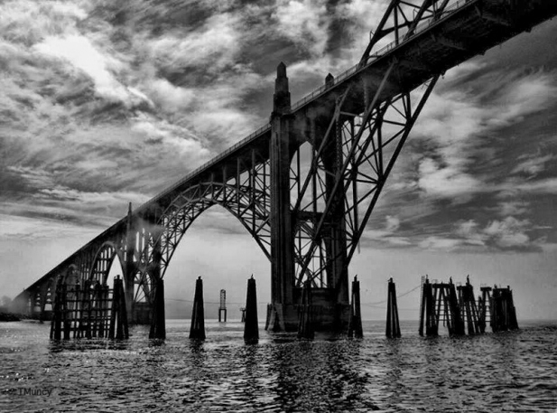 yaquina bay bridge-TMuncy-SwittersB-Oregon-Newport