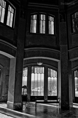 Vista House-inside-Oregon-SwittersB