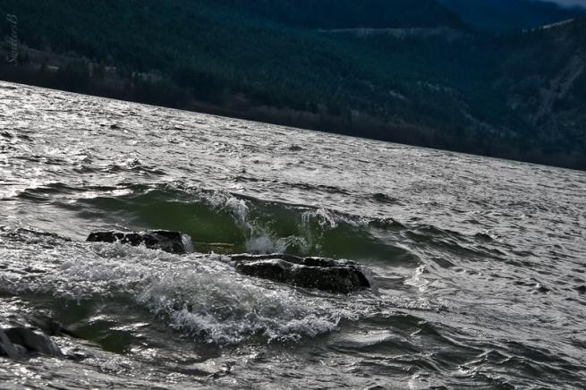 1-columbia river-rocks-spray-SwittersB