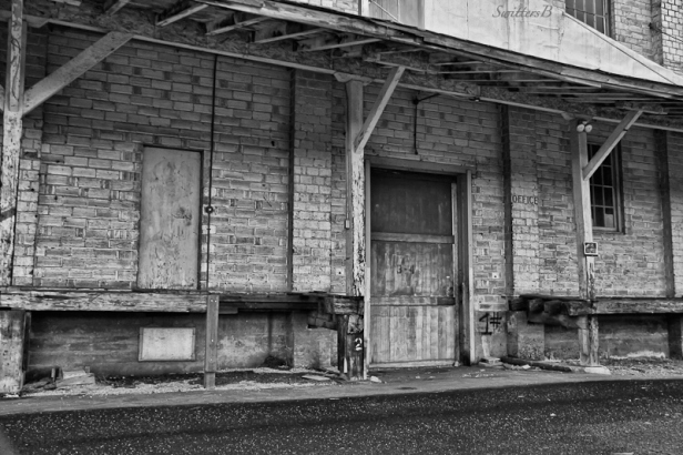 office-old warehouse-Pine Grove-SwittersB