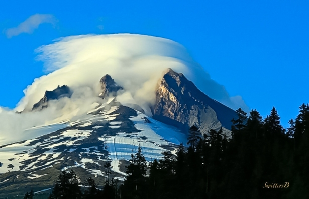 a Cloud Cap-Mt. Hood-Oregon-Photography-SwittersB-Edit-3