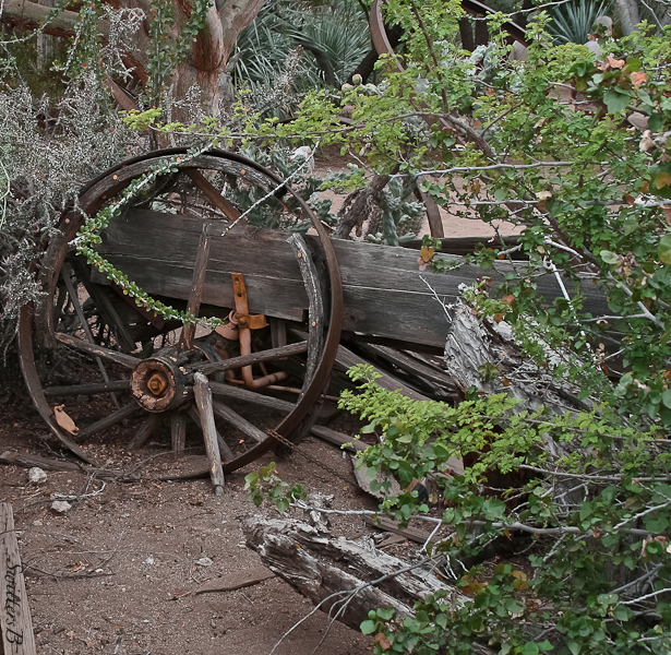old wagon-desert-decay-SwittersB