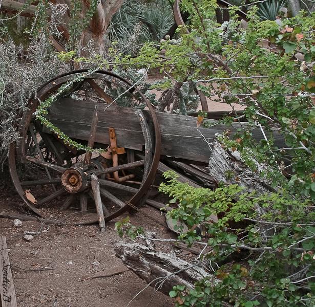 old wagon-desert-decay-SwittersB
