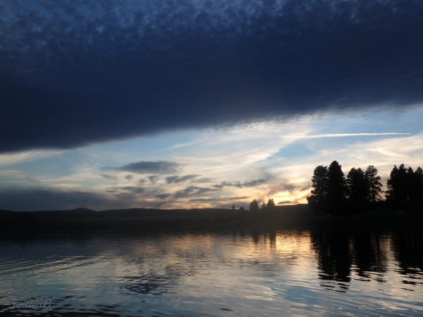 lake-dusk-clouds-Oregon-SwittersB